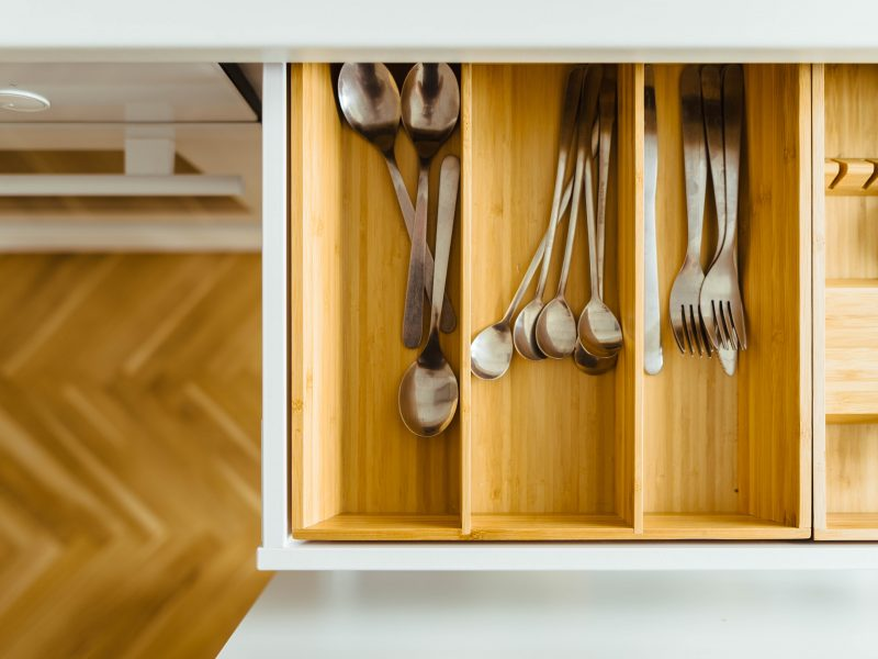 Simple strategies to help you start decluttering | Photo by Jarek Ceborski on Unsplash